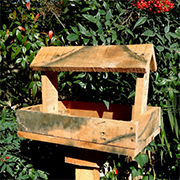 Reclaimed pallet bird feeder
