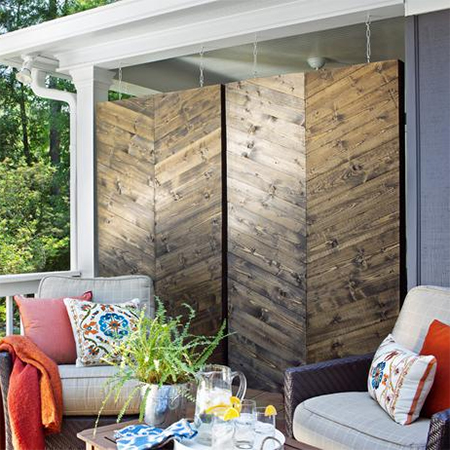 diy make a pine privacy screen for patio or balcony