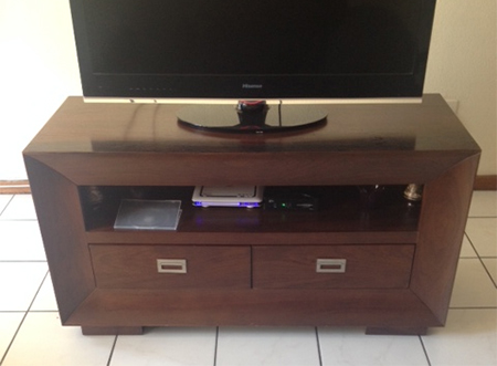spray paint solid wood tv cabinet