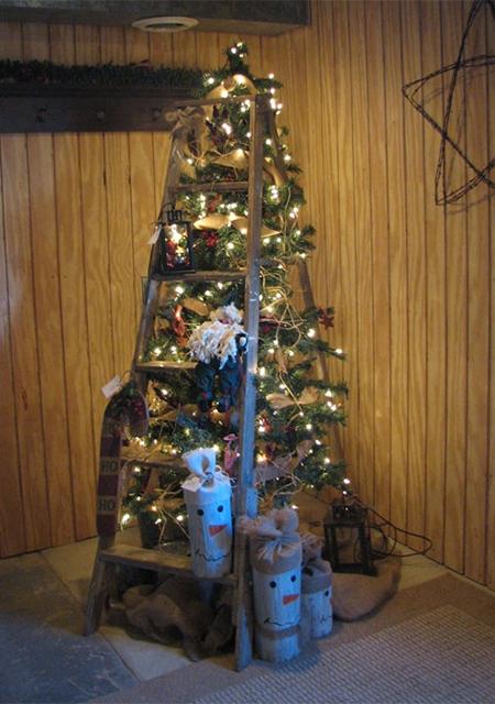 Home Dzine Craft Ideas Stepladder Christmas Tree