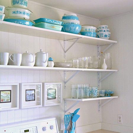 Boring traditional kitchen goes chic open shelves