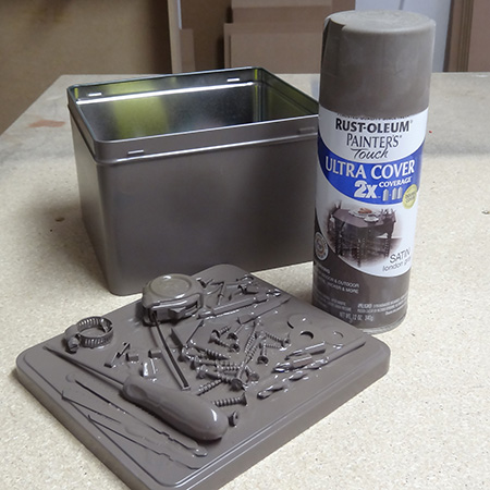 toolkit lid sprayed with rustoleum 2x london gray