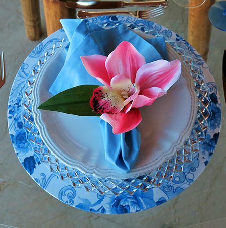 diy make special occasion fabric wrapped charger plates