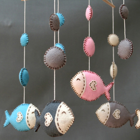 Pastel hues for this fish nursery mobile