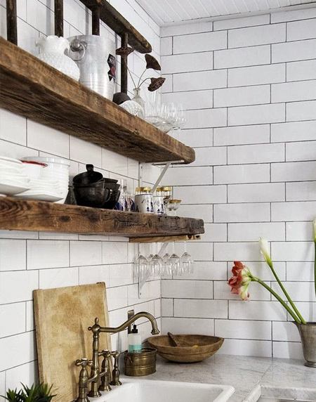 Easy solid wood shelf ideas that you can DIY