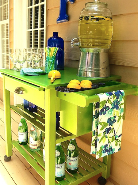 DIY outdoor bar ideas with refurbished furniture