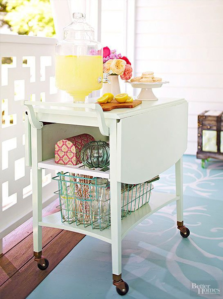 DIY outdoor bar ideas painted trolley