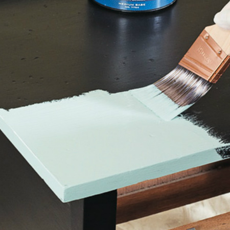 apply rustoleum chalked paint for distressed furniture