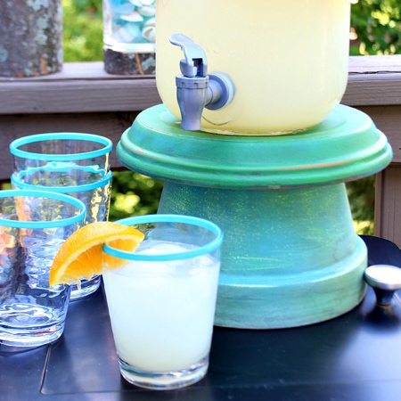 terra cotta pots to make an outdoor server stand for entertaining