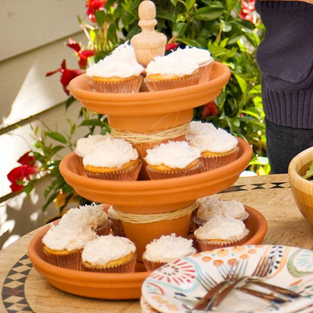 terra cotta pots to make a cupcake stand