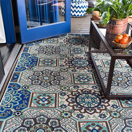 rugs underfoot for outdoor living area