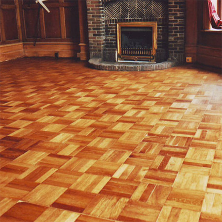 restore parquet floor after application of floor varnish