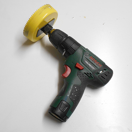 we are using a Bosch PSB 10,8 LI-2 drill / driver