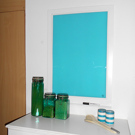 glass menu or notice board with rust-oleum 2x spray paint