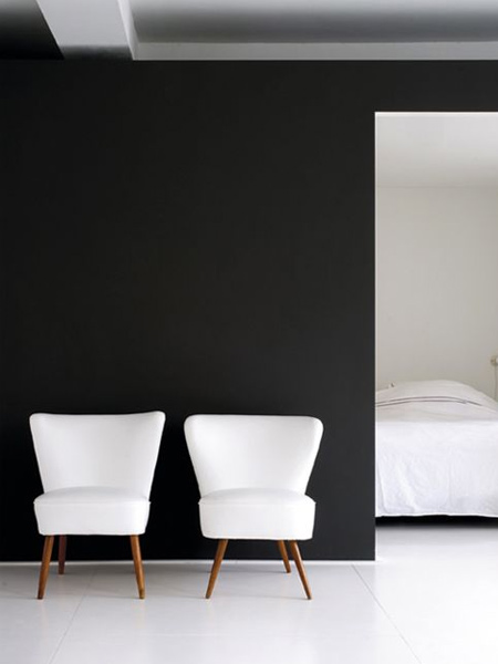 Black accentuates even more when used in conjunction with white or bright colours