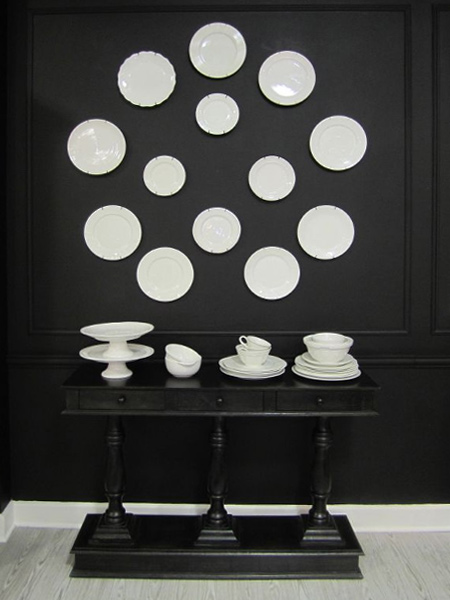 Fade to black... Decorating with black