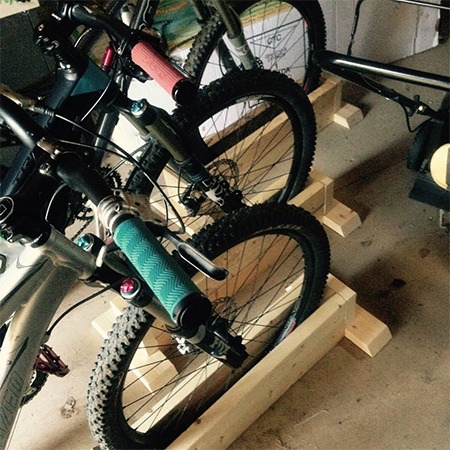 DIY self-supporting bicycle stand