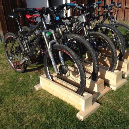 DIY self-supporting bicycle stand for bicycles