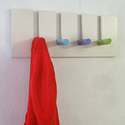 Easy peg hanging rack