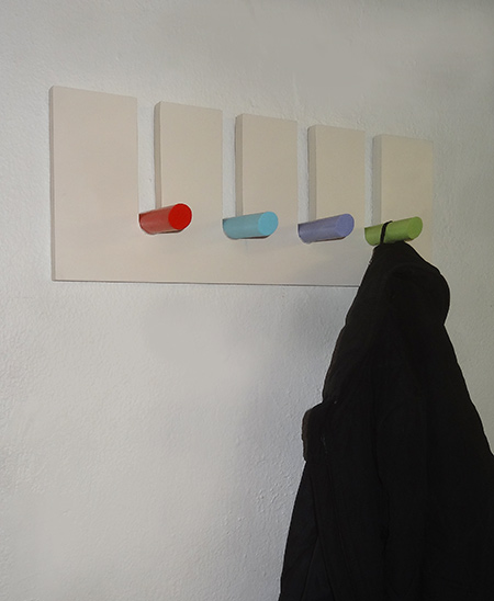 rust-oleum 2x spray painted pegs for hanging rack