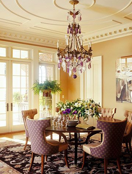 Decorating ideas for a ceiling decorative moulding