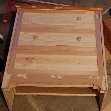 Makeover a pine chest of drawers