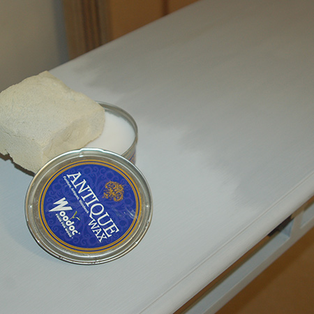 To protect the painted finish you can apply Rust-Oleum Chalked Top Coat, or in this case I applied Woodoc Antique Wax.