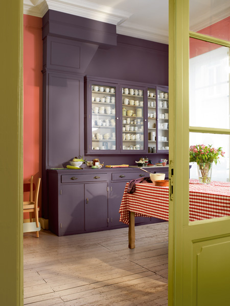 Rather than paint large areas in a single bold colour, use several contrasting colours to create a bold 3D effect