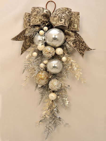 use old baubles to make a festive decoration