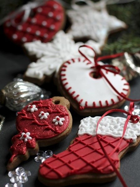 edible gingerbread iced biscuits festive decor