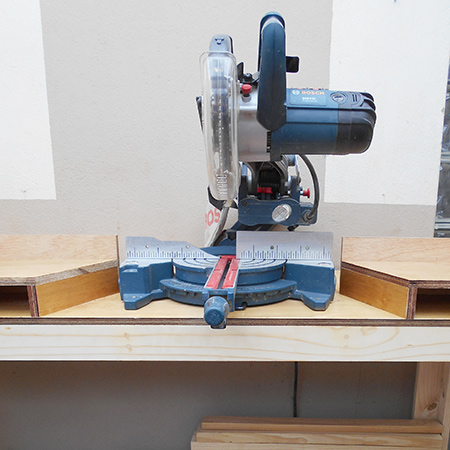 DIY mobile workbench for compound mitre saw