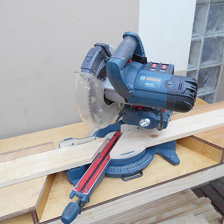 DIY make mobile workbench for compound mitre saw