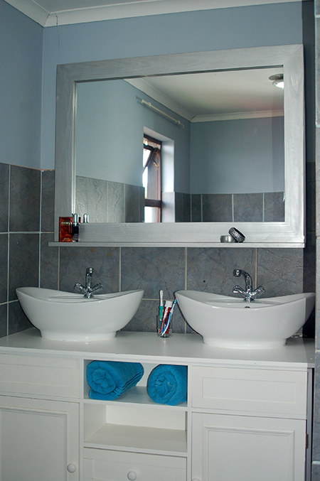 Bathroom Vanity .Co.Za home dzine bathrooms | how to make a decorative framed mirror
