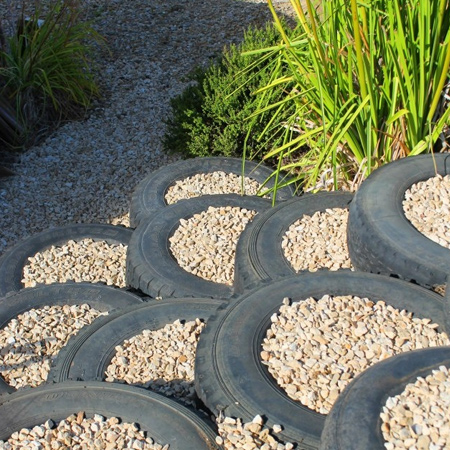 More ideas for using old tyres outdoors in the garden for steps