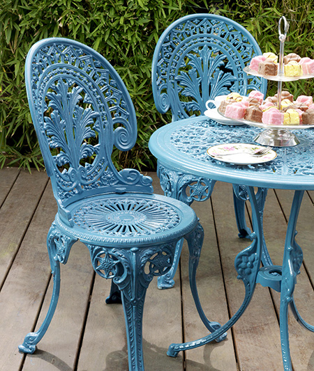 Home dzine garden ideas restore iron or steel garden Cast iron garden furniture