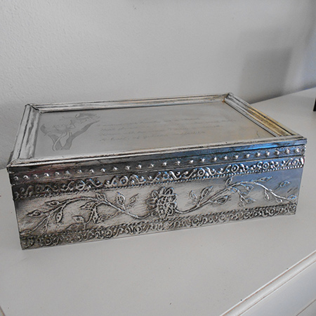 Make a faux pewter trinket box with mdf