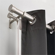 Essentials for secure hanging of curtain rails or rods