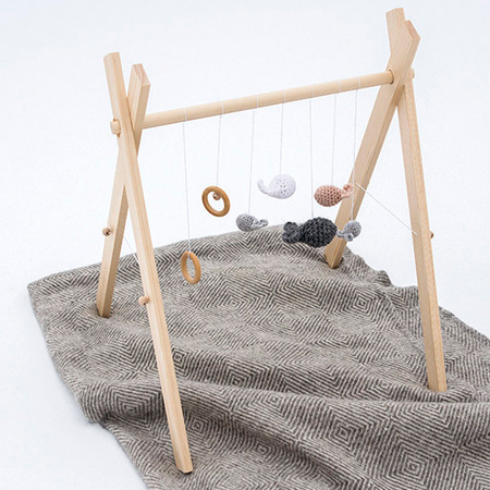 How to make a simple wooden play mobile