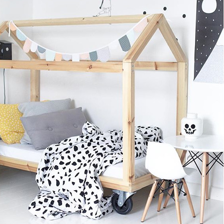 If you are looking for inspiration for decorating your little girl's bedroom, we put together a collection of 18 dreamy bedroom designs