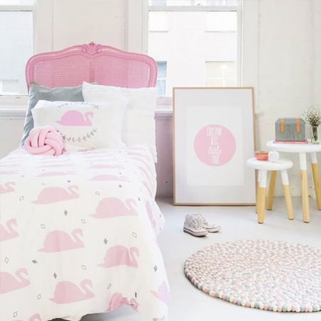 decorating ideas dreamy bedroom for little girl with swan design
