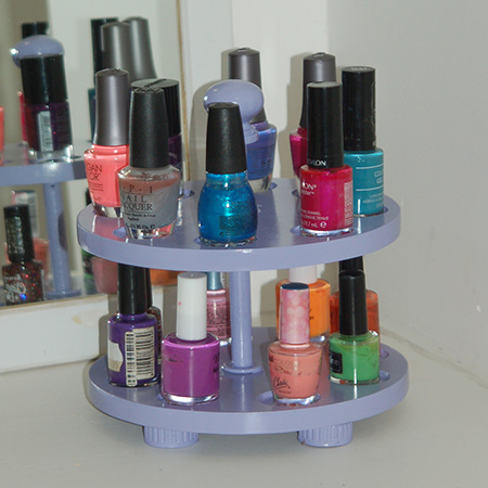 And there you have it... An easy way to store all your bottles of nail varnish easily and conveniently.