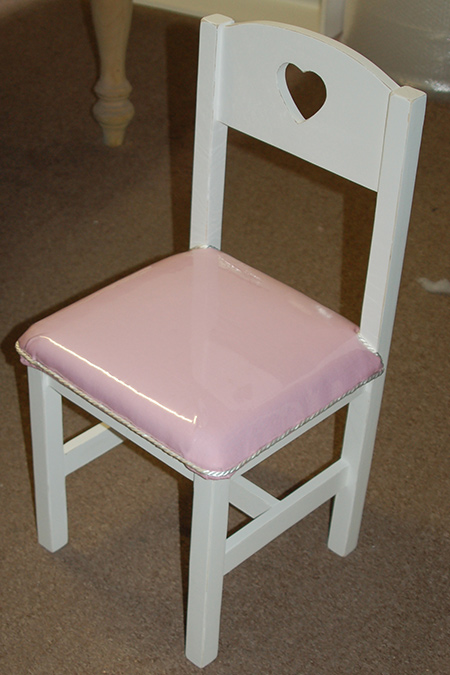 After making the kiddies table and chairs as a project for Home-Dzine, a friend of mine asked me to make one for her daughter's bedroom. She also requested that I upholster the seats and I thought it would be great to share this project with you.