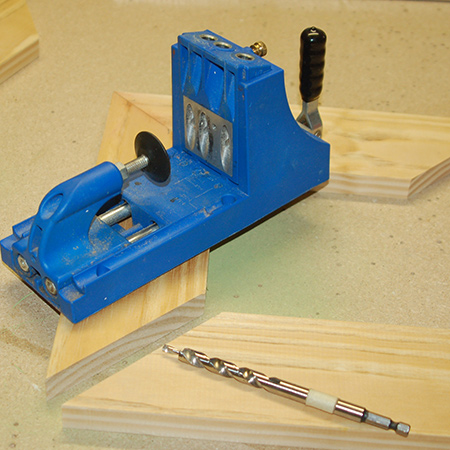 There are many ways to use a Kreg Pockethole Jig for DIY projects, and picture frames are easy to join together using a jig and screws.