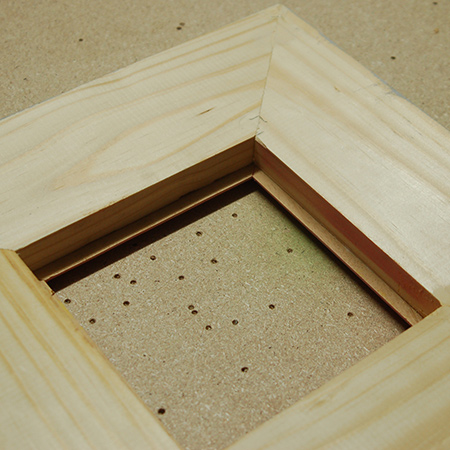 This is a super-easy way to make it easy to mount glass for picture frames, without using any fancy tools