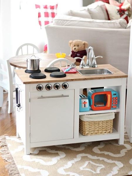 What little budding chef wouldn't love their own play kitchen. This DIY play kitchen is super-easy to make if you have a Kreg Pockethole Jig and some spare time on your hands.