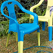 Spruce up garden chairs with Rust-Oleum