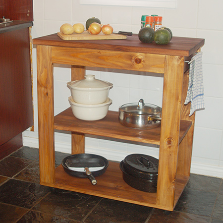 Mobile kitchen island with Kreg pockethole jig