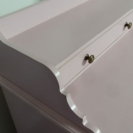Finish chalk painted furniture