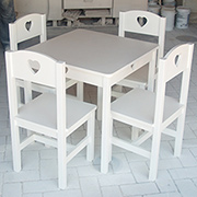 DIY kiddies table and chairs