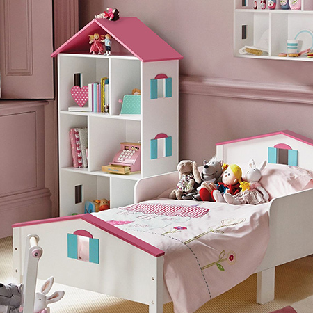 Here's how to make a dollhouse bookcase for a little girl's bedroom and that offers plenty of storage space. It's made using 16mm SupaWood that you can buy - and have cut to size - at your local Builders Warehouse.